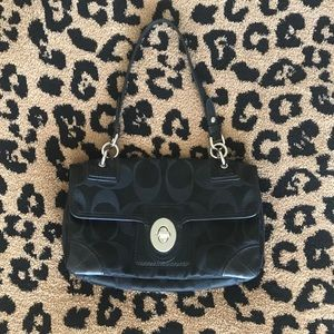 Coach purse. Excellent condition!